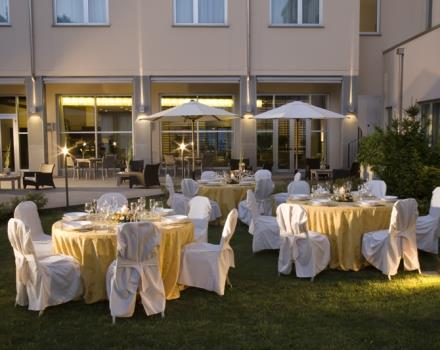 Would you like a hotel in Cornaredo with a restaurant? Choose the Best Western Hotel Le Favaglie