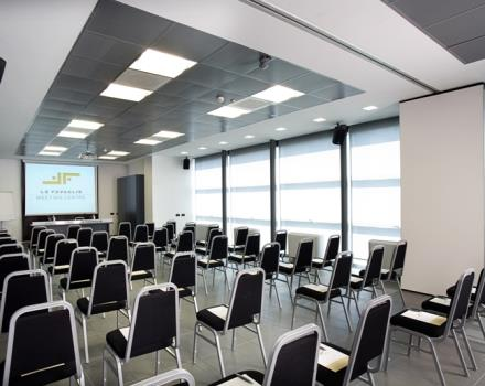 Do you have to organize an event? Are you looking for a meeting room in Cornaredo? Discover the Best Western Hotel Le Favaglie